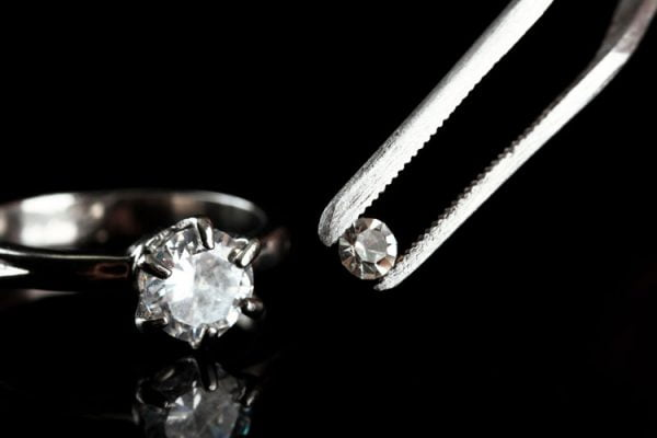 Professional jewellery repair